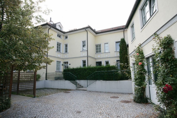 Hochbergstraße 2